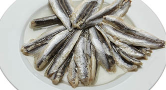 Anchovy marinated in oil